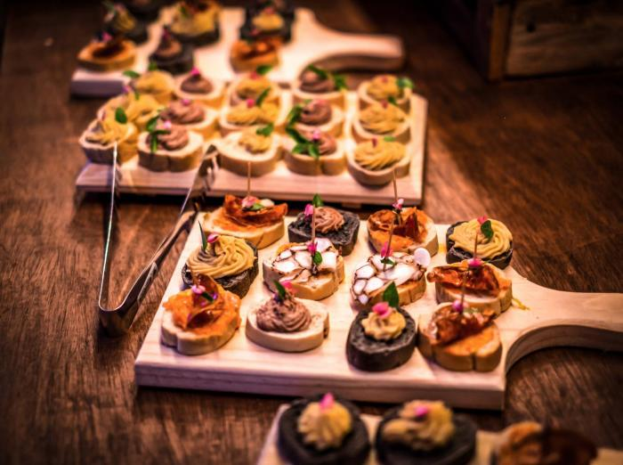 What type of catering service would you choose for your Wedding