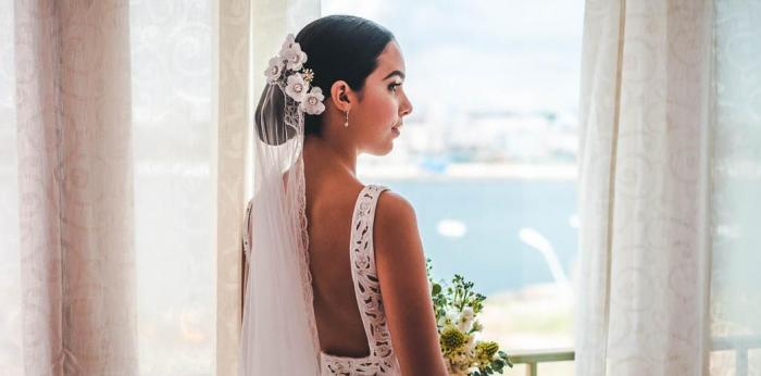 Makeup and hairstyle, bridal styling in Cuba